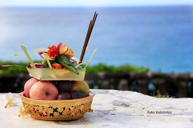 ritual sedekah laut memiliki banyak makna dalam kebudayaan